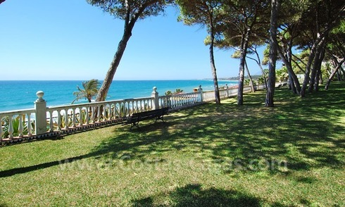 Spacious apartment for sale on the beachfront complex in Marbella on the Golden Mile