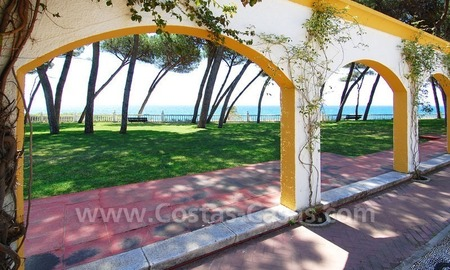 Spacious apartment for sale on the beachfront complex in Marbella on the Golden Mile 6