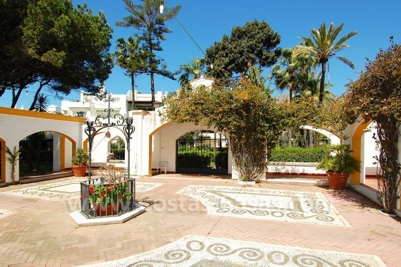 Spacious apartment for sale on the beachfront complex in Marbella on the Golden Mile 7