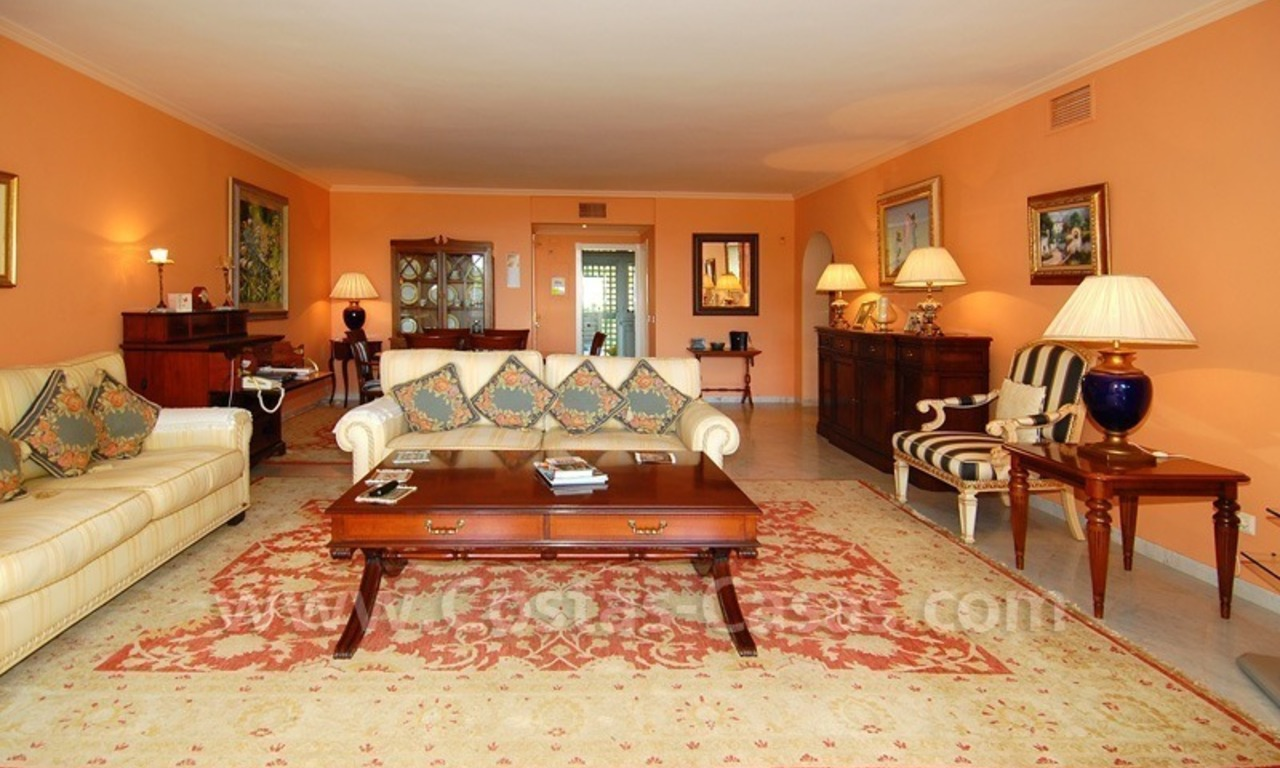 Spacious luxury apartment for sale on a frontline beach complex in Puente Romano, Golden Mile – Marbella 7