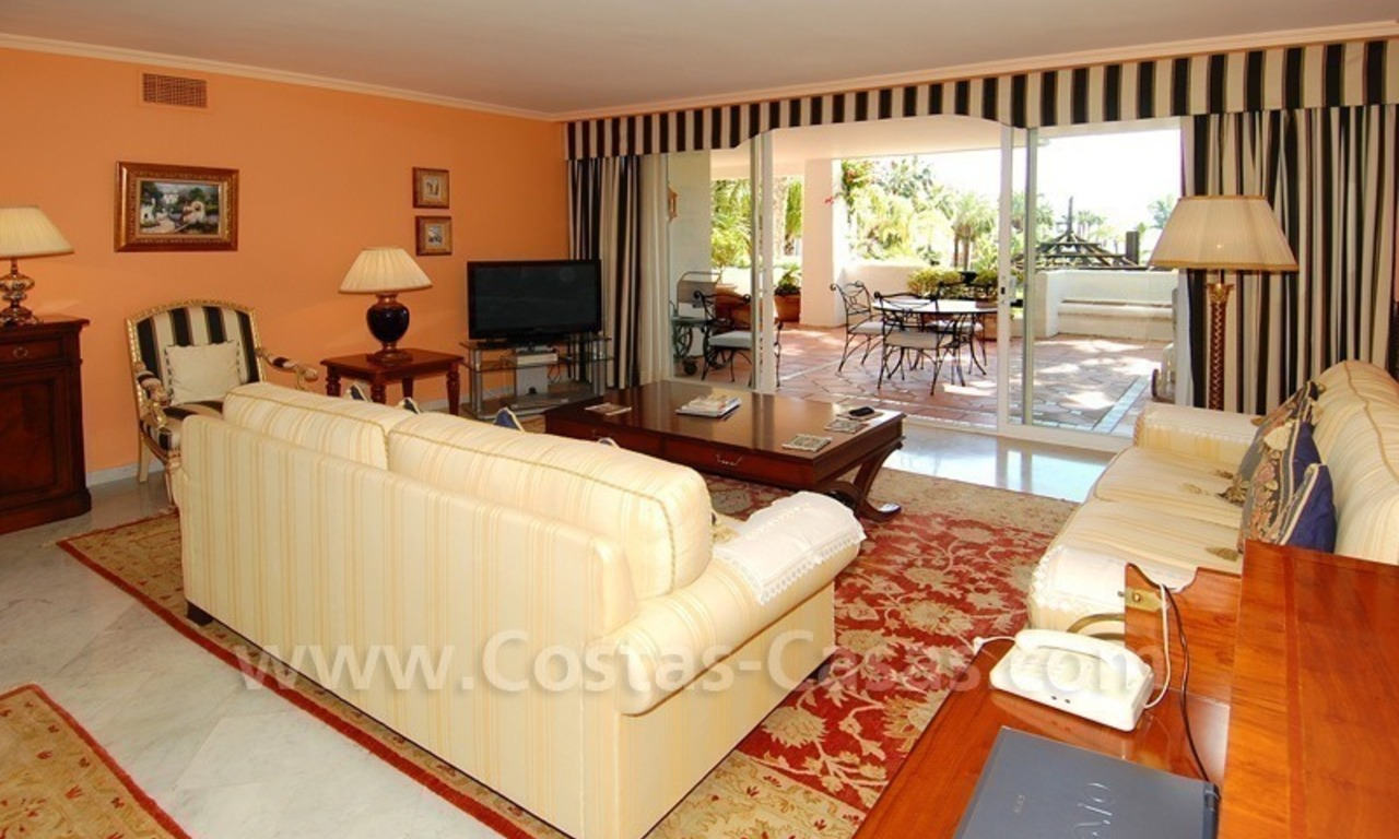 Spacious luxury apartment for sale on a frontline beach complex in Puente Romano, Golden Mile – Marbella 8