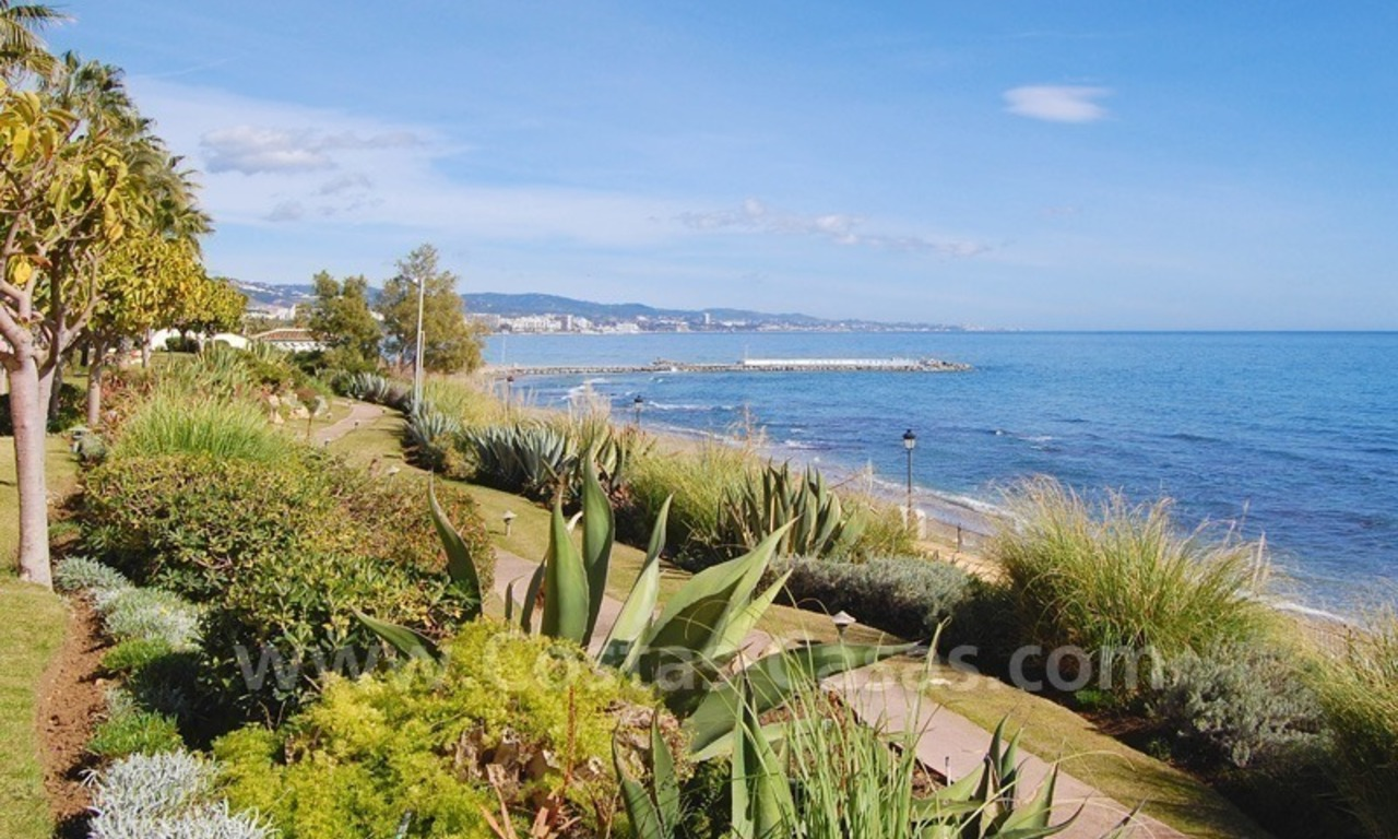 Spacious luxury apartment for sale on a frontline beach complex in Puente Romano, Golden Mile – Marbella 12