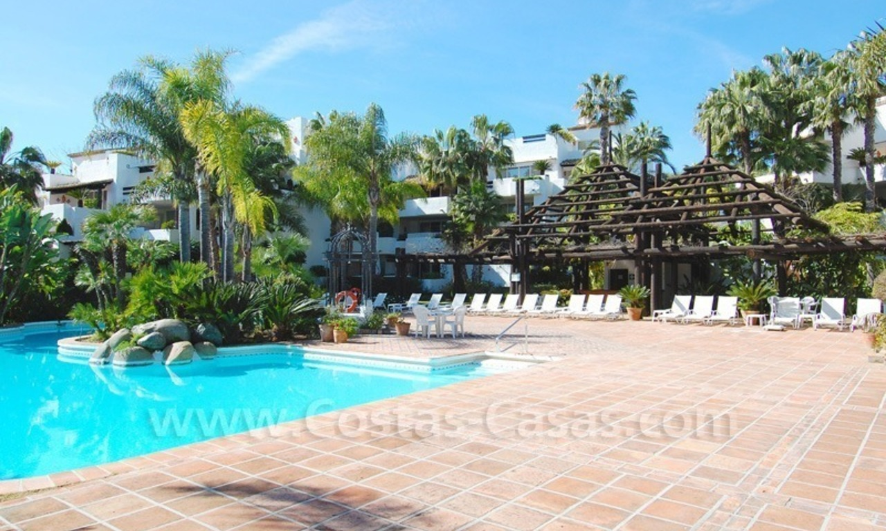 Spacious luxury apartment for sale on a frontline beach complex in Puente Romano, Golden Mile – Marbella 24