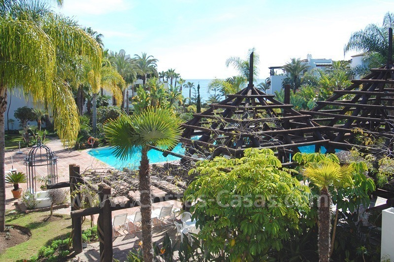 Spacious luxury apartment for sale on a frontline beach complex in Golden Mile – Marbella 1