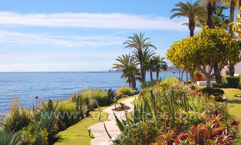 Spacious luxury apartment for sale on a frontline beach complex in Puente Romano, Golden Mile – Marbella