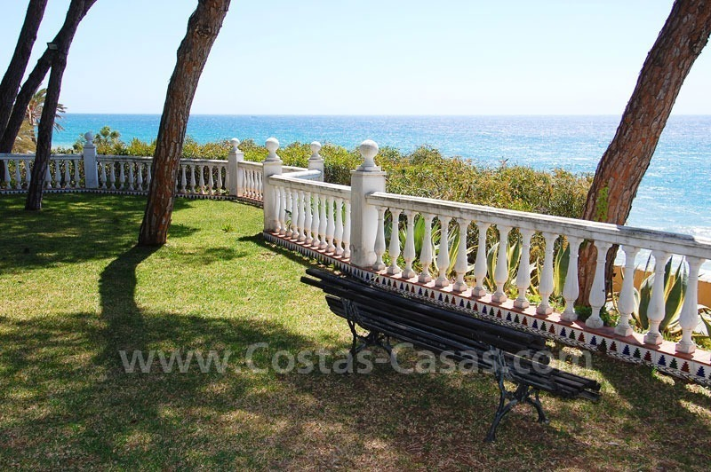 Spacious duplex penthouse apartment to buy on the beachfront complex in Marbella on the Golden Mile 4
