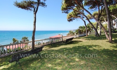 Spacious duplex penthouse apartment to buy on the beachfront complex in Marbella on the Golden Mile 2