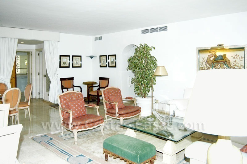 Spacious duplex penthouse apartment to buy on the beachfront complex in Marbella on the Golden Mile 22