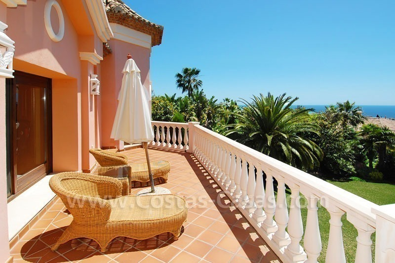 Luxury classical style villa to buy in Sierra Blanca, Marbella 23