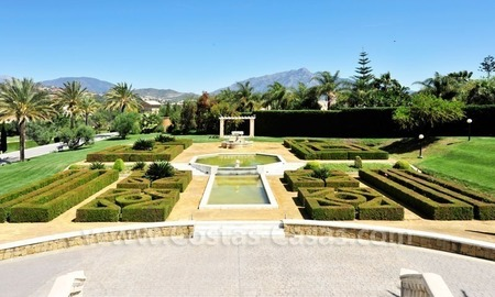 Unique Palladian style mansion for sale in Marbella 4