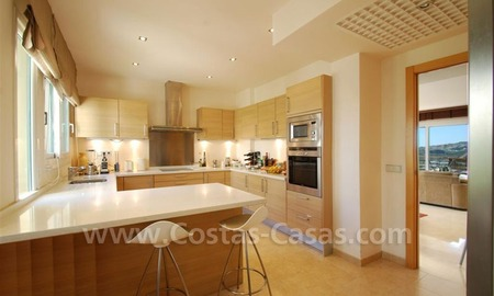 Bargain Penthouse apartment for sale in the area of Benahavis - Marbella 1