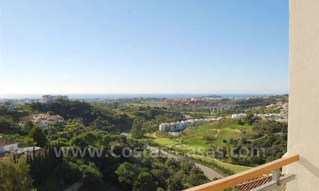 Bargain Penthouse apartment for sale in the area of Benahavis - Marbella 2
