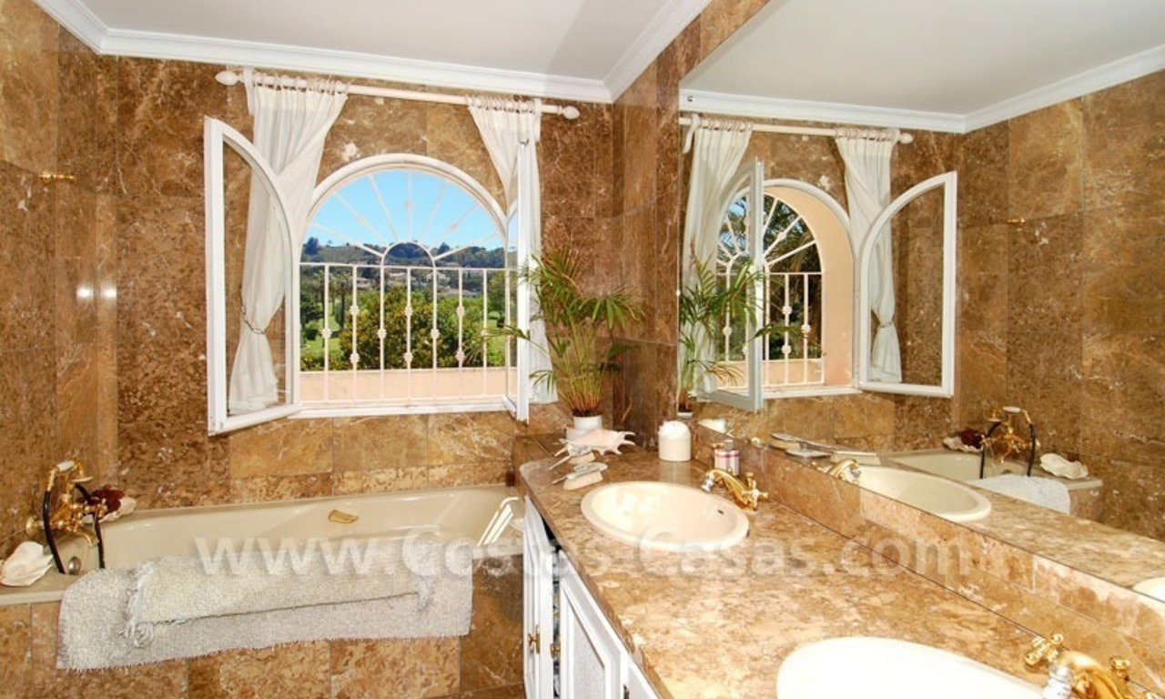 Charming andalusian styled villa for sale on first line golf in Nueva Andalucía, Marbella 20