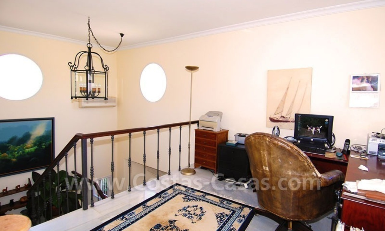 Charming andalusian styled villa for sale on first line golf in Nueva Andalucía, Marbella 17