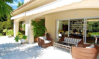 Charming andalusian styled villa for sale on first line golf in Nueva Andalucía, Marbella 6