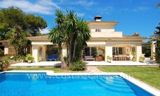 Charming andalusian styled villa for sale on first line golf in Nueva Andalucía, Marbella 3