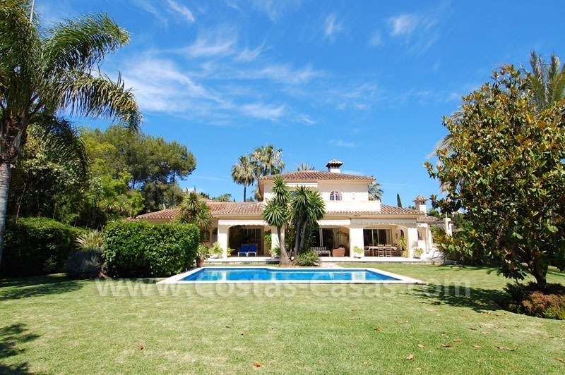 Charming andalusian styled villa for sale on first line golf in Nueva Andalucía, Marbella