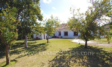Plot with a detached villa for sale in Marbella town centre