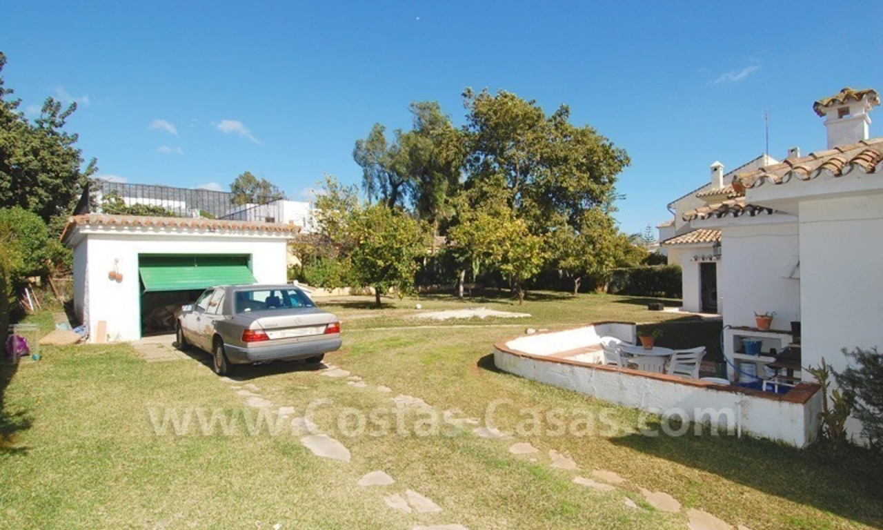 Plot with a detached villa for sale in Marbella town centre 3