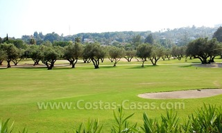 Frontline golf luxury villa for sale in Nueva Andalucia - Marbella 7