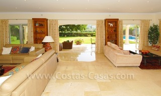 Frontline golf luxury villa for sale in Nueva Andalucia - Marbella 9