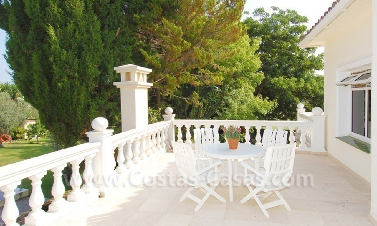 Frontline golf luxury villa for sale in Nueva Andalucia - Marbella 17