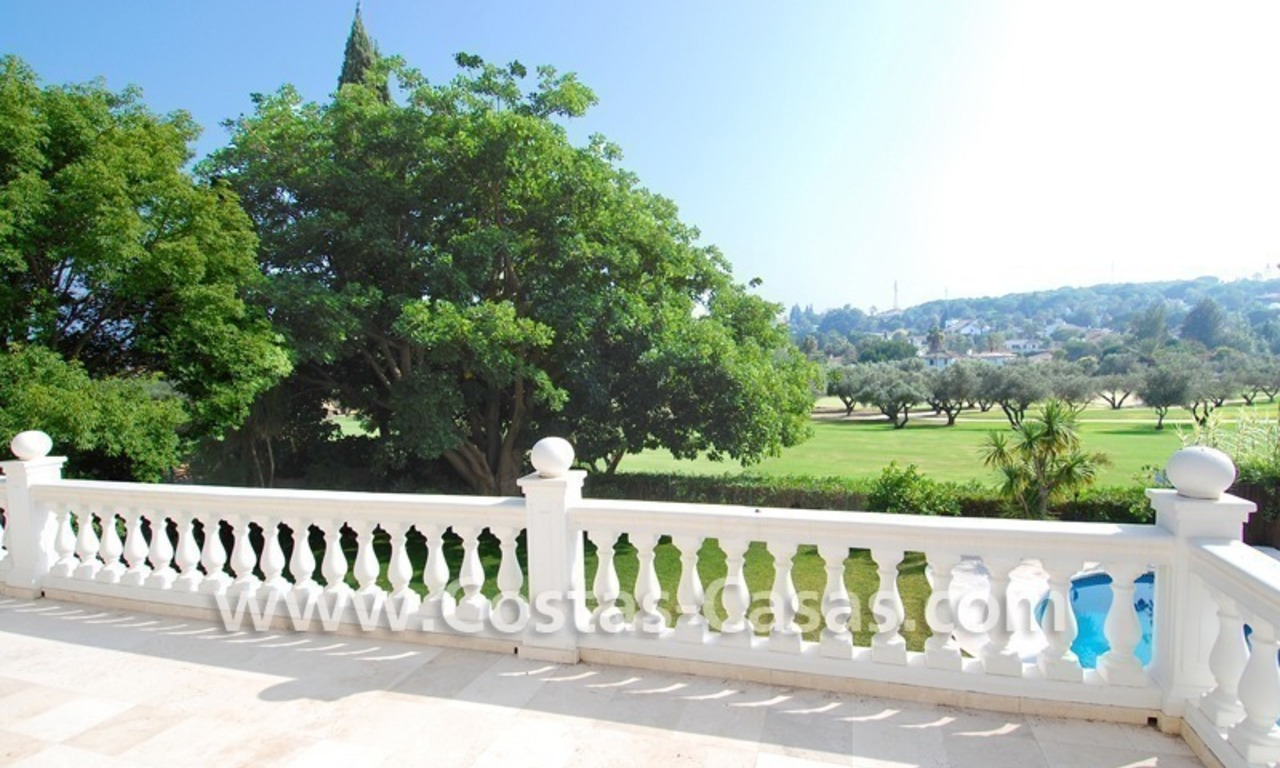 Frontline golf luxury villa for sale in Nueva Andalucia - Marbella 22