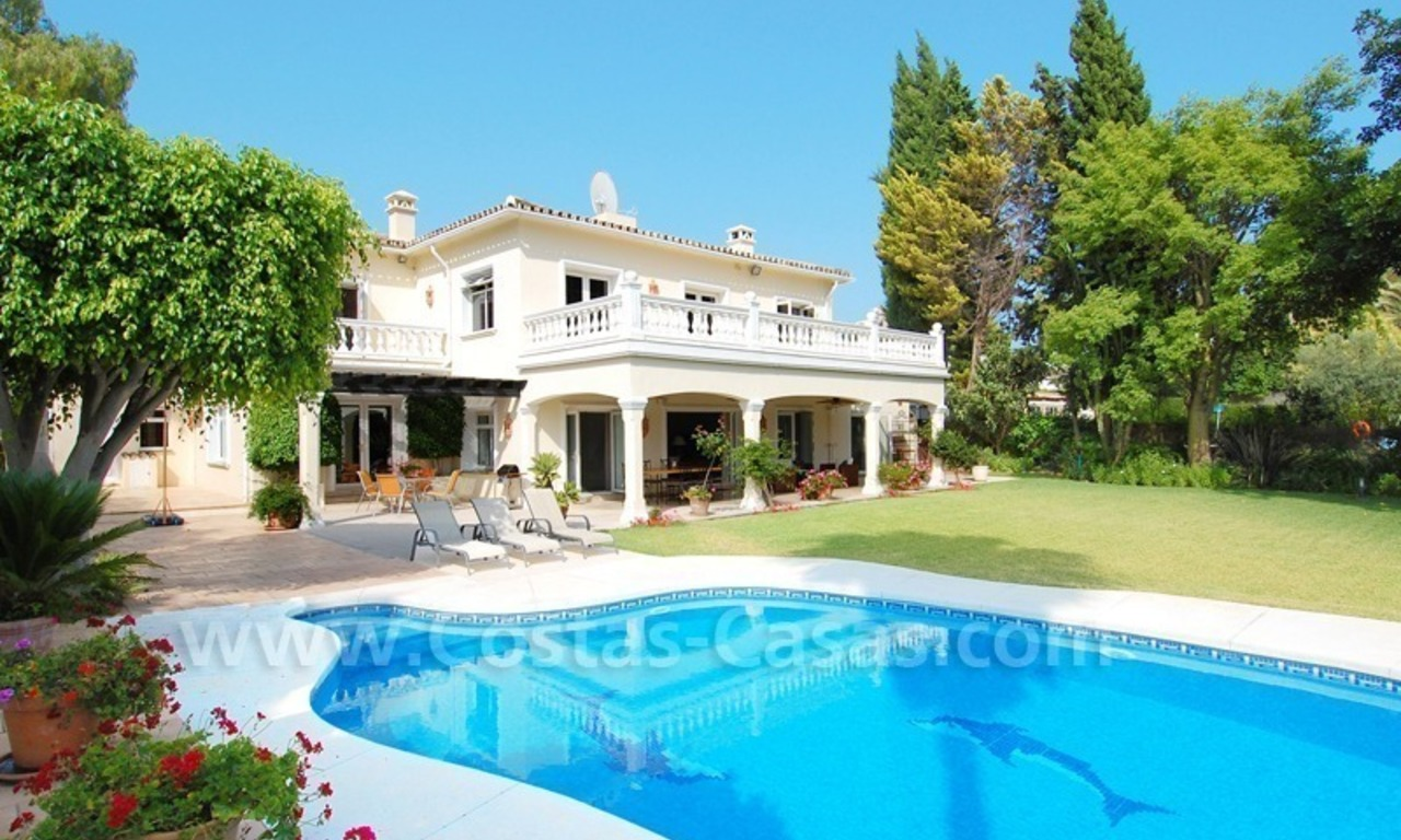 Frontline golf luxury villa for sale in Nueva Andalucia - Marbella 1