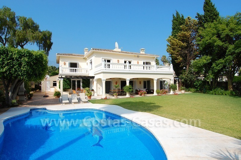 Frontline golf luxury villa for sale in Nueva Andalucia - Marbella