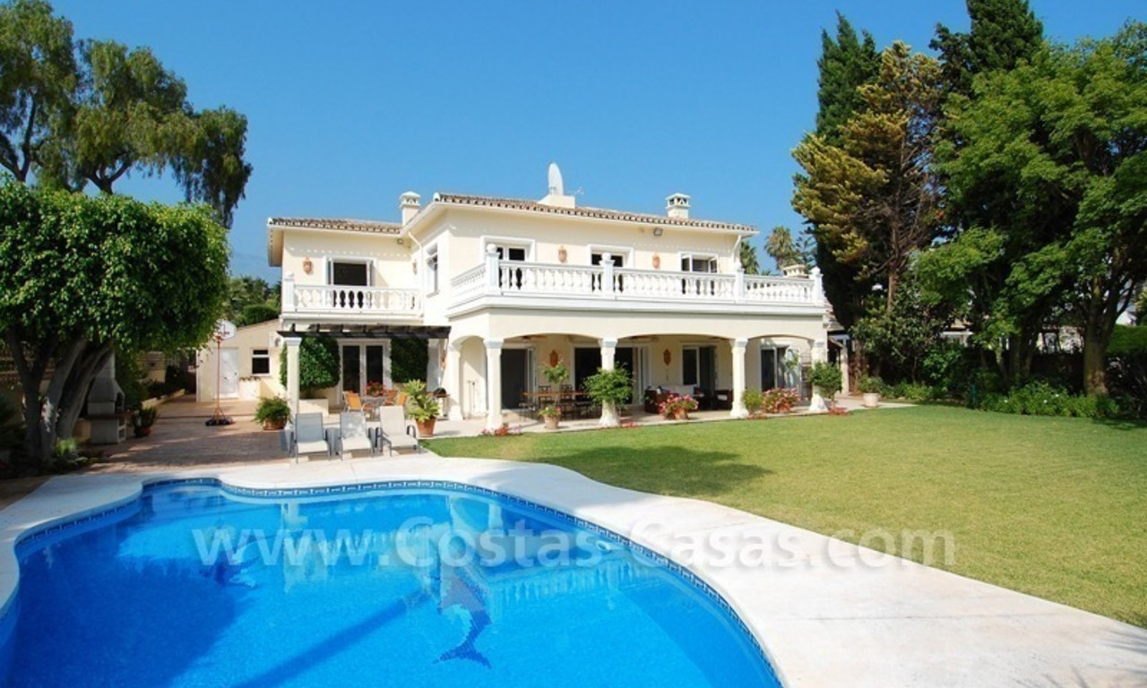 Frontline golf luxury villa for sale in Nueva Andalucia - Marbella 0