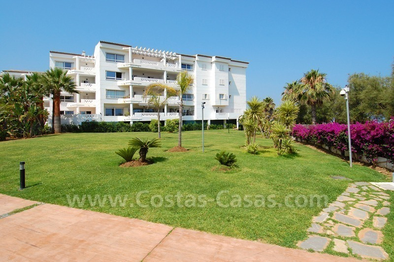 Beachfront apartment for sale in Puerto Banús – Marbella