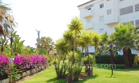 Beachfront apartment for sale in Puerto Banús – Marbella 1