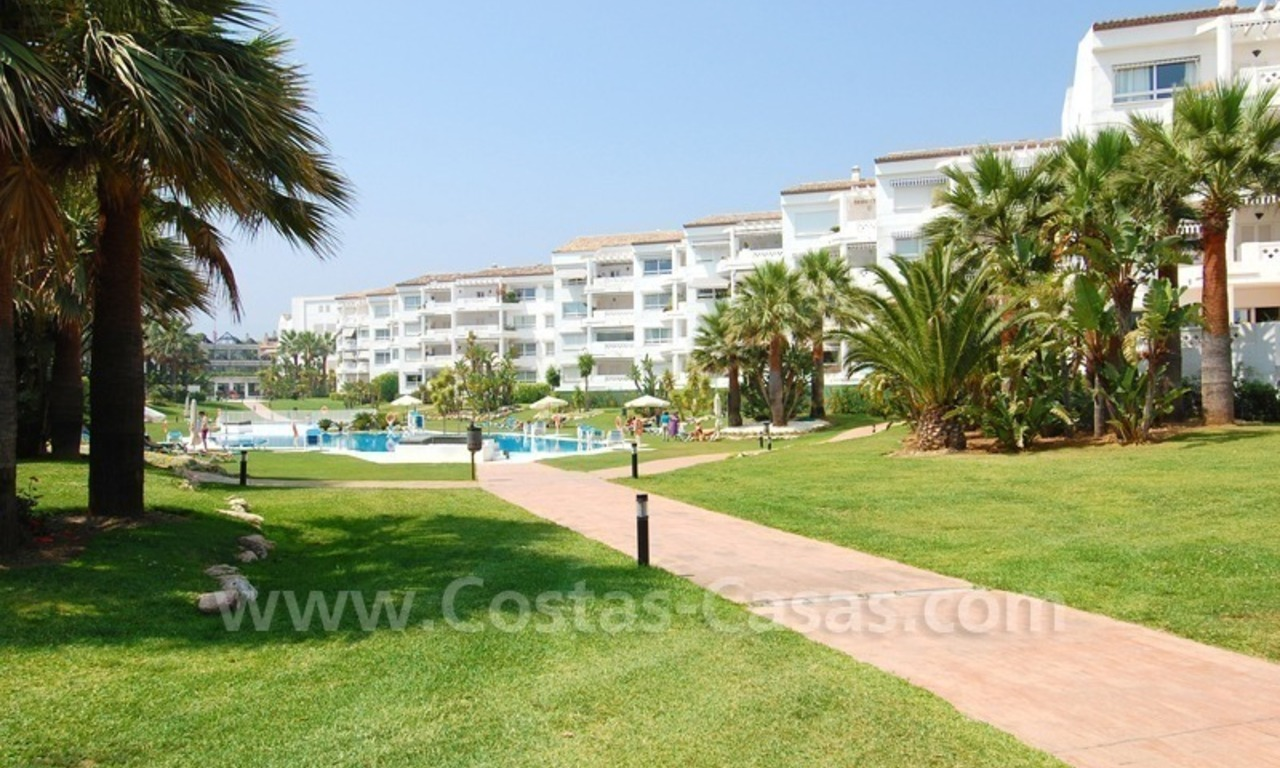 Beachfront apartment for sale in Puerto Banús – Marbella 2