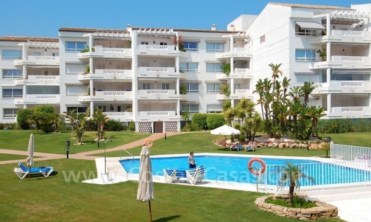 Beachfront apartment for sale in Puerto Banús – Marbella 3
