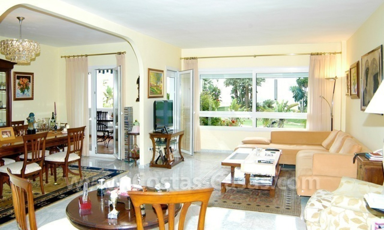 Beachfront apartment for sale in Puerto Banús – Marbella 7