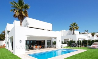 Contemporary luxury New Frontline Golf Villas for sale, Marbella - Benahavis 0