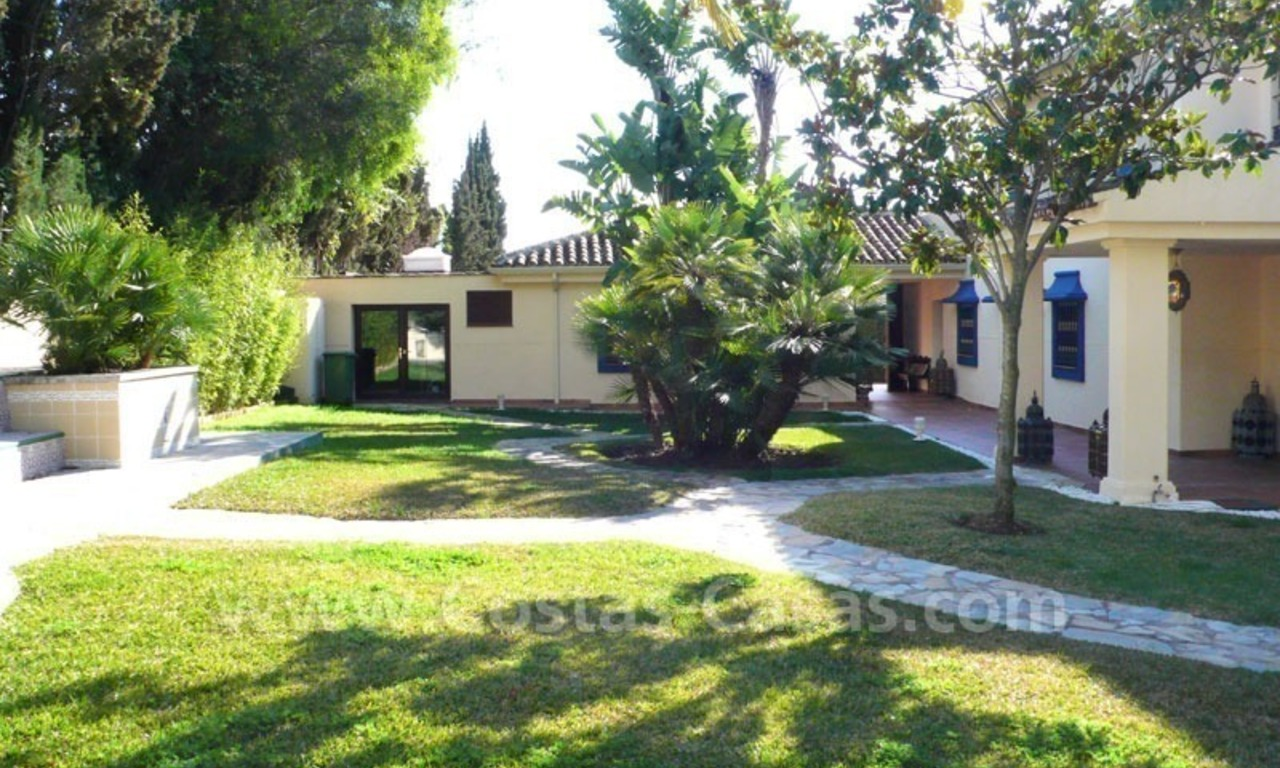 Luxury superb villa for sale on frontline golf in Marbella West – Estepona 4