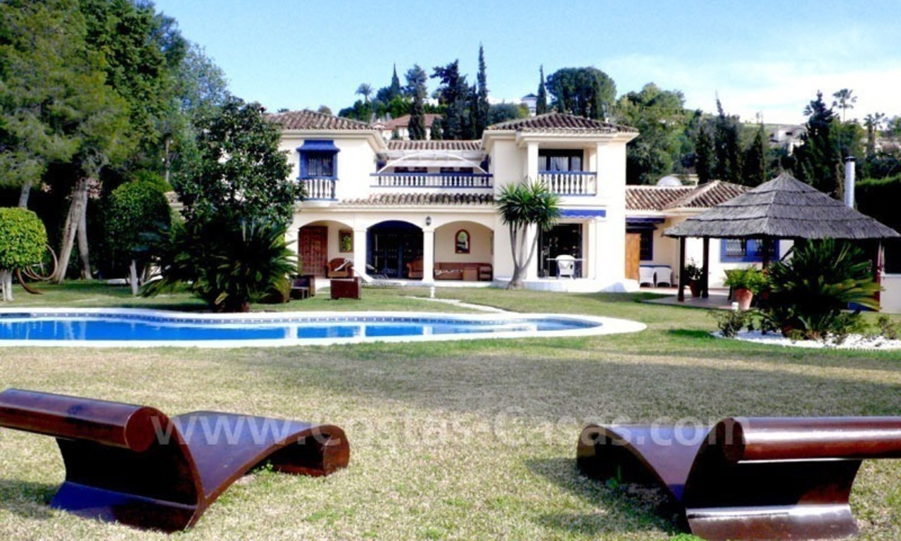 Luxury superb villa for sale on frontline golf in Marbella West – Estepona 10