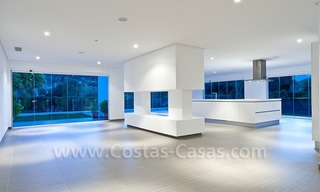 Modern styled first line golf villa for sale in Nueva Andalucía, Marbella 6