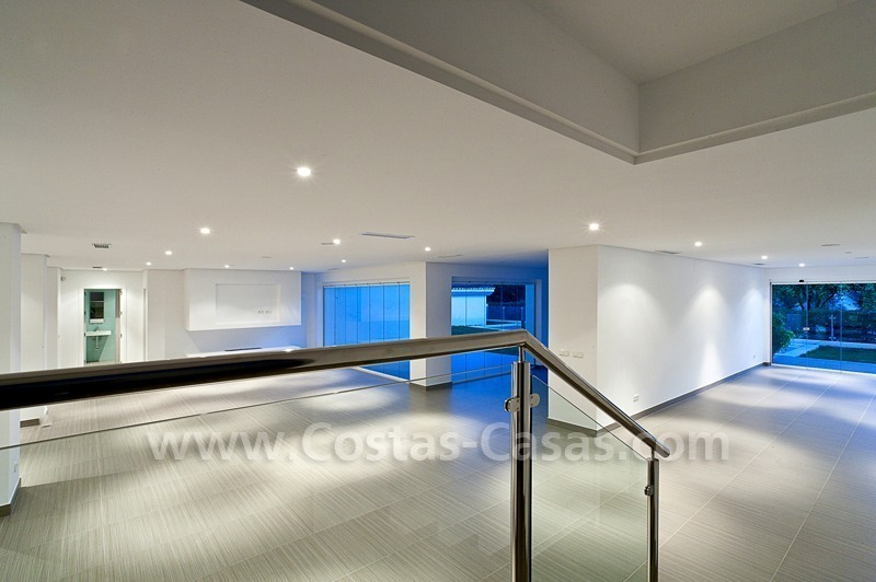 Modern styled first line golf villa for sale in Nueva Andalucía, Marbella 2
