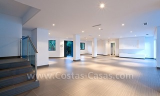 Modern styled first line golf villa for sale in Nueva Andalucía, Marbella 4
