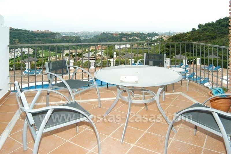 Bargain apartment to buy on first line golf in West Marbella – Benahavis 3