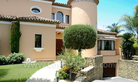 Unique front line golf andalusian styled villa to buy in Nueva Andalucía, Marbella 3
