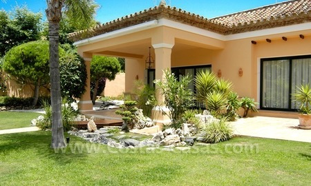 Unique front line golf andalusian styled villa to buy in Nueva Andalucía, Marbella 5