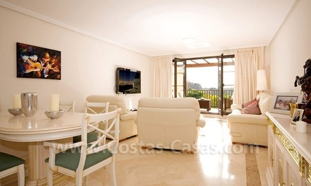Bargain golf penthouse apartment for sale in the area of Marbella – Benahavis 7