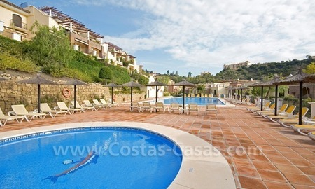 Bargain golf penthouse apartment for sale in the area of Marbella – Benahavis 4