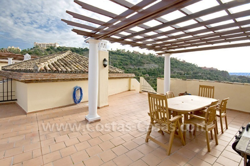 Bargain golf penthouse apartment for sale in the area of Marbella – Benahavis
