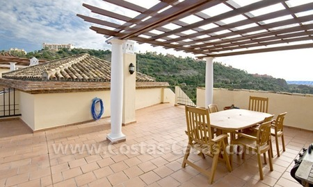 Bargain golf penthouse apartment for sale in the area of Marbella – Benahavis 0