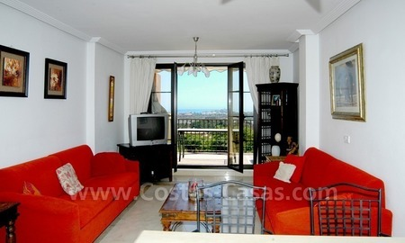Bargain golf apartment to buy in West Marbella – Benahavis 7