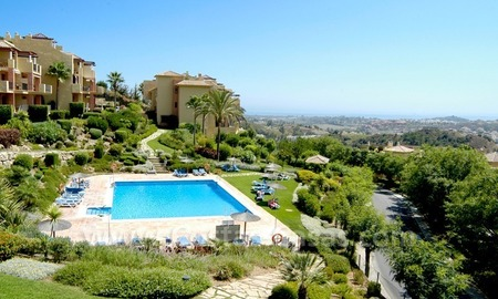 Bargain golf apartment to buy in West Marbella – Benahavis 2